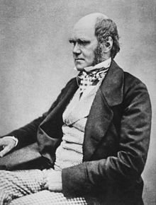 220px-Charles_Darwin_seated_crop.jpg